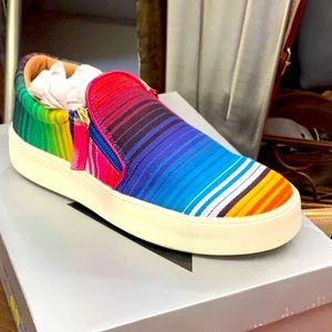 Serape tennis shoe
